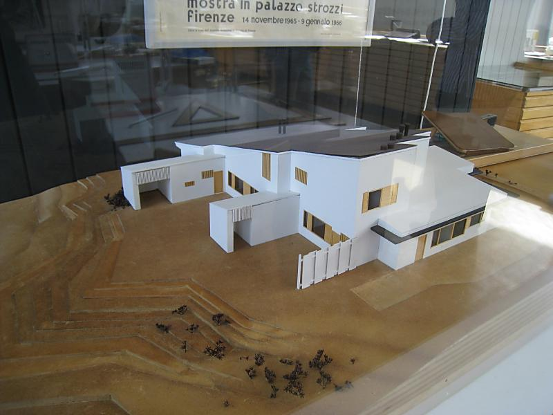 建築探訪72(メソン・カレの模型...